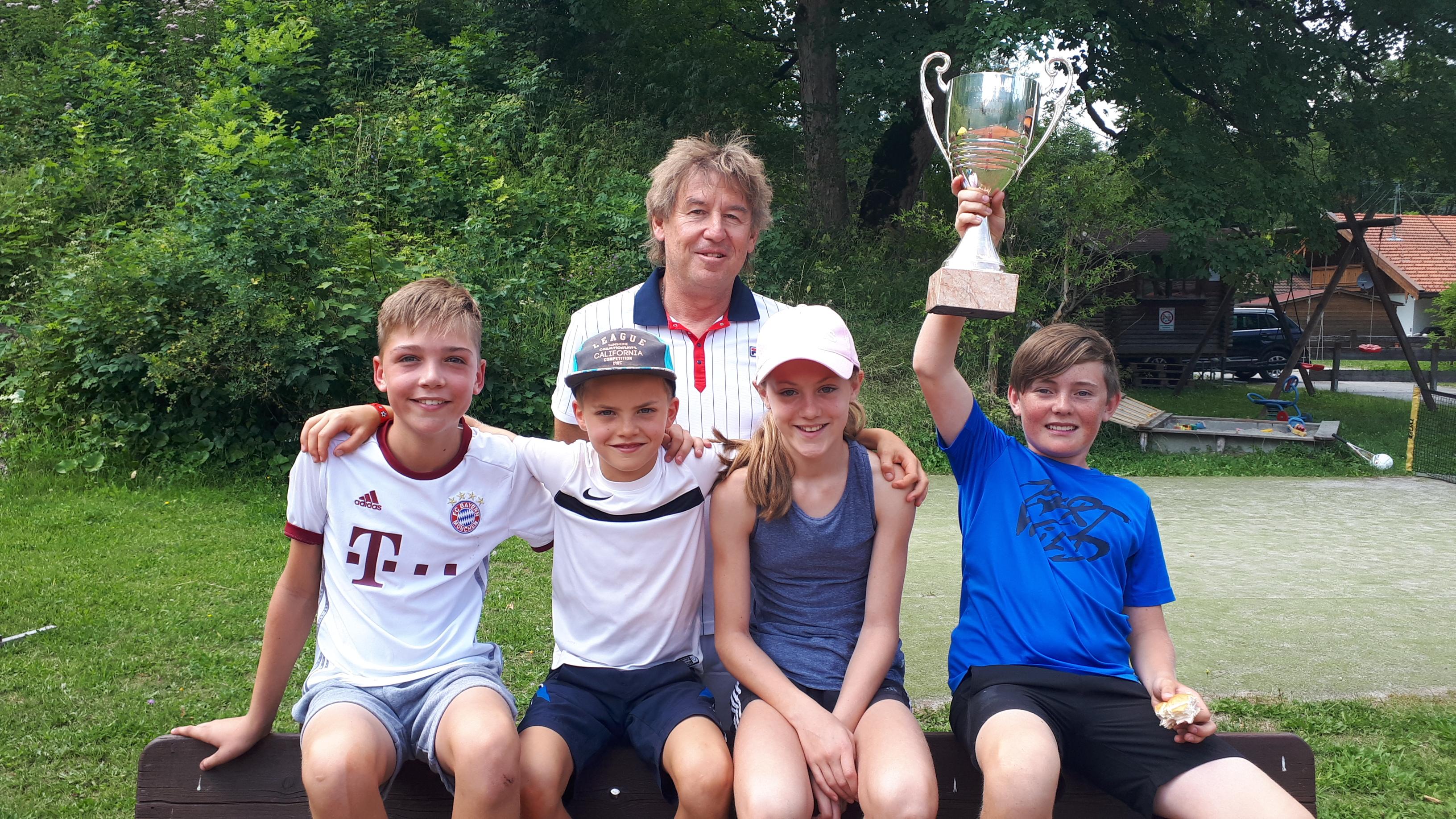 Einzelclubmeister 2019 sind Julia Hitzler und Andi Dorn und das 1. Mal haben wir auch einen Junior-Clubmeister: Valentin Müller!